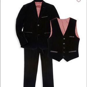 Isaac Mizrahi Boy's 3-Piece Velvet Suit-Size 6